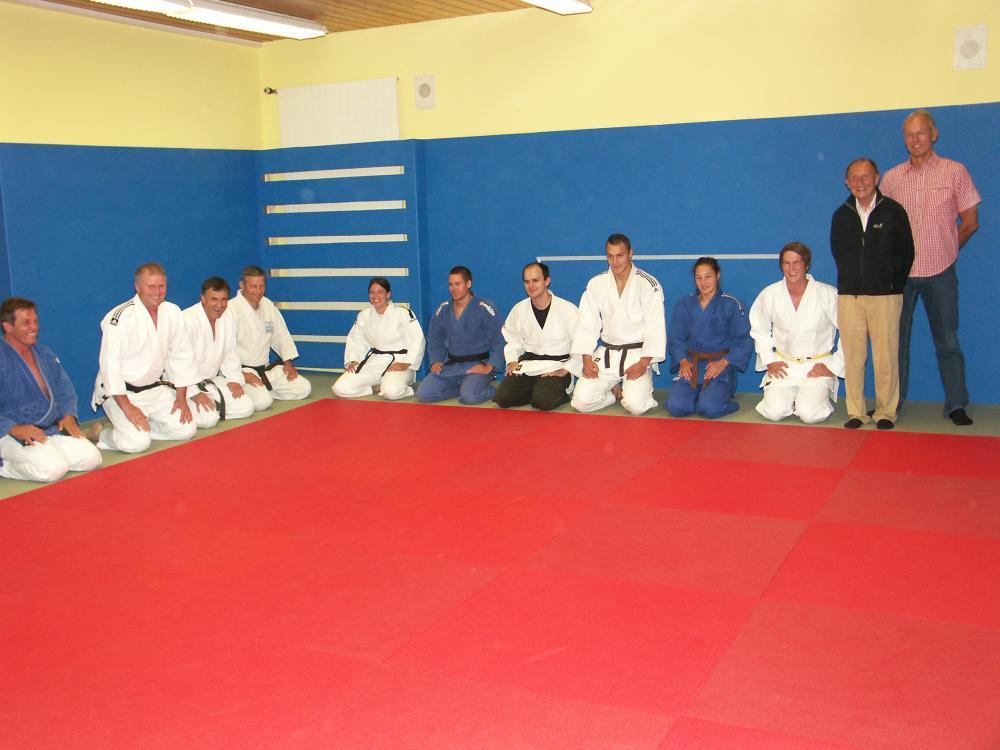 wieder optimales training judo abteilung sanierte dojo. Black Bedroom Furniture Sets. Home Design Ideas